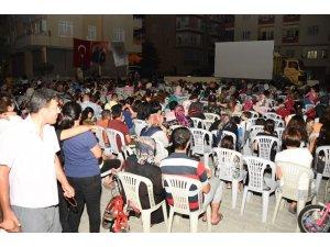 Tarsus'ta 'Nostalji Sinema' keyfi sürüyor