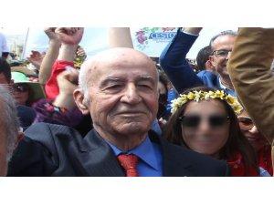 CHP'li eski vekile dolandırıcılık şoku: 2 milyon kaptırdı, arazisini de satıyordu