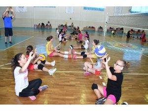 Tarsus Belediyesi Yaz Spor Okullarına yoğun ilgi