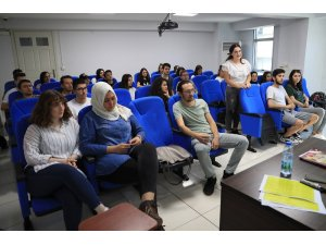Pamukkale Belediyesi yabancı dil öğretiyor