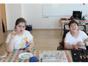 Engelli öğrenciler eğlenirken öğreniyor