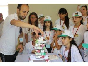 Köylerde çocuklar 'Bilim, Doğa ve Sanat' ile buluşturuldu