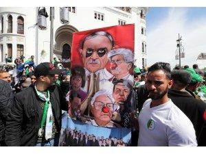 Cezayir'de yeni hükümet için 'ordusuz' diyalog önerisi