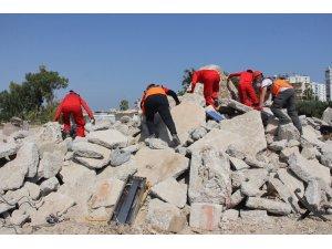 Mersin'deki deprem tatbikatı gerçeğini aratmadı