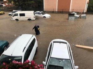 Safranbolu'da dolu ve yağmur etkili oldu