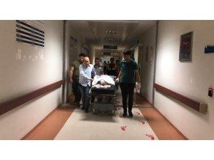 Yerde bulduğu cisim elinde patlayan çocuk ağır yaralandı