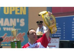 ABD'de sosisli sandviç yeme yarışması