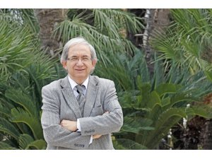 Yaşarlı akademisyen TÜBA asli üyeliğine seçildi
