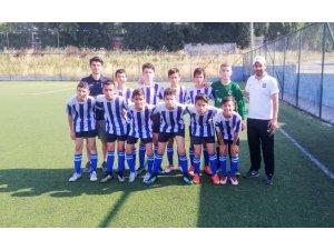 Yunusemre Belediyespor U-13 takımı yarı finale yükseldi