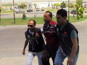 Karaman'da uyuşturucudan gözaltına alınan şahıs adliyeye sevk edildi