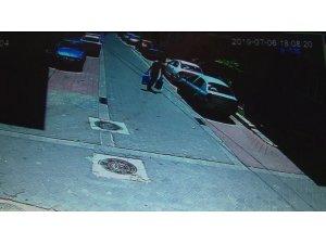Çaldıkları tüpleri polisi görünce sokağa atıp kaçmak istediler