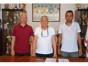 Ayvalıkgücü Belediyespor'un teknik patronu Mutlu Karakaş oldu