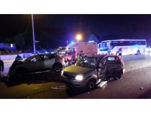 Denizli'de trafik kazası: 4'ü çocuk 11 yaralı