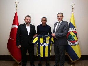 Rodrigues resmen Fenerbahçeli oldu!