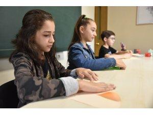 Origami ile matematik öğreniyorlar