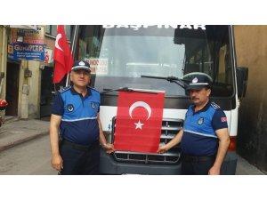 Kırıkkale Belediyesi yolcu minibüslerine Türk bayrağı astı
