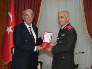 Kıbrıs gazilerine 45 yıl sonra milli mücadele anısına madalya