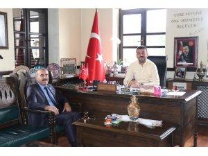 Milli Eğitim Müdürü Demir, Belediye Başkanı Aktürk'ü ziyaret etti