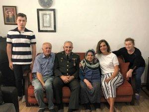 Garnizon Komutanı Üstün'den şehit ailesine taziye