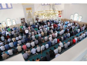 Musabeyli ilçesinde  Aişe Caminin ibadete açıldı
