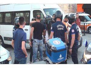 Taksim'de İBB zabıtasından seyyar satıcılara sert müdahale