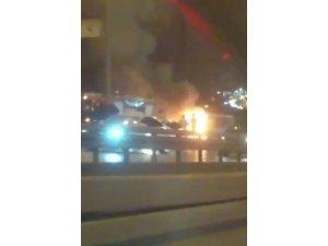 Minibüs seyir halinde alev alev yandı