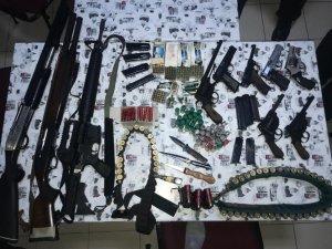 Konya'da kafe uygulamasında 10 tane silah ele geçirildi