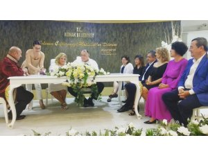 İzmir'in önemli isimlerini buluşturan nikah