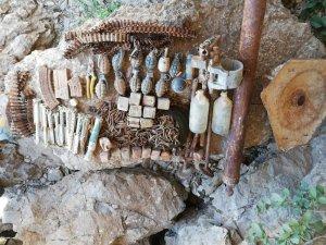 Uludere'de iki mağarada çok sayıda mühimmat ele geçirildi