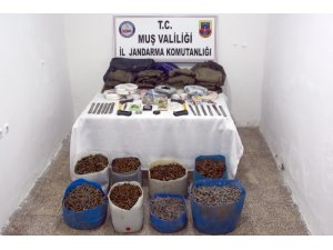 Varto'da 25 bin mermi ele geçirildi