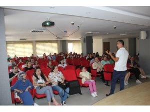 Giresun Belediyesi'nden daha iyi iletişim için eğitim semineri