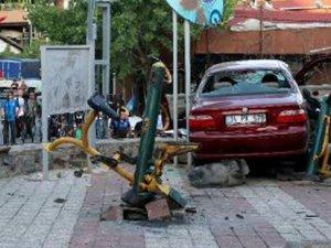 Sarhoş sürücü oyun oynayan çocukların arasına daldı: Minik Elif Nur hayatını kaybetti