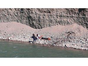 Çoruh Nehri'ne düştüğü tahmin edilen teknisyen ölü bulundu