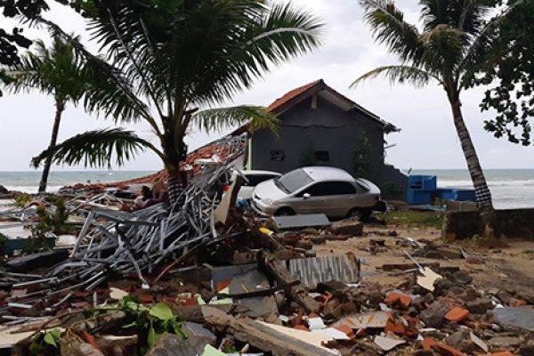 Endonezya'da 6.8 büyüklüğünde deprem! Tsunami uyarısı yapıldı