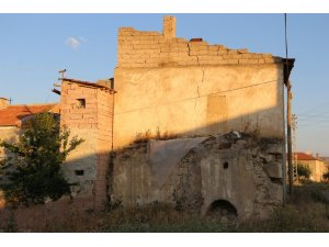 Kapadokya'da bahçe çöktü, ortaya yeraltı şehri çıktı