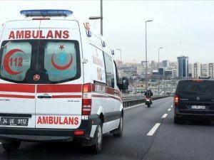 Hasdal'da hafriyat kamyonu devrildi... Havalimanı yolunda trafik felç!