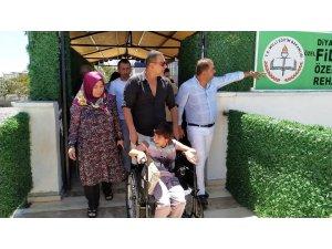 Berdan Mardini, Diyarbakır' özel eğitim ve rehabilitasyon merkezini ziyaret etti