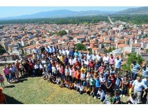 Simav'daki yaz Kur'an kurslarında mezuniyet coşkusu