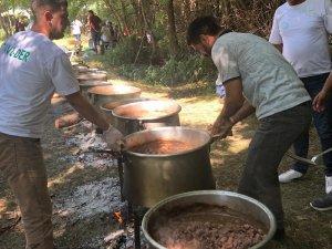Bingöl'de 1 ton 200 kilogram et, kavurma yapılıp ikram edildi