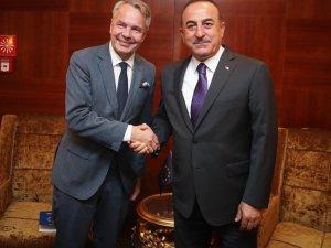 Bakan Çavuşoğlu, Finlandiyalı mevkidaşı ile bir araya geldi