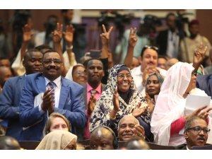 Dışişleri Bakanı Çavuşoğlu, Sudan'da Anayasal Bildiri'nin imza törenine katıldı