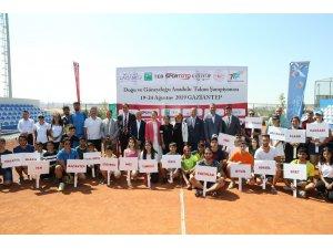 Büyükşehir'in ev sahipliğinde tenis şampiyonası başladı