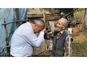 Milletvekili Ünal'dan 105 yaşındaki Salim Karaçam'a ziyaret