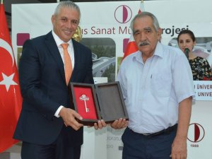 Bakan Taçoy, 'Kişisel Resim Sergisi'nin açılışını yaptı