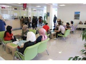 7 Aralık Üniversitesine öğrenci kayıtları sürüyor