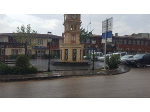 Yavuzeli'nde Ağustos ayında yağmur sürprizi