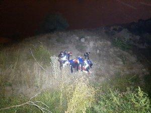 Başkent'te 50 metreden dereye düşen kişi iki saatlik çalışmayla kurtarıldı
