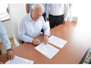 Lapseki Belediyesi ile Hizmet İş Sendikası arasında toplu iş sözleşmesi imzalandı