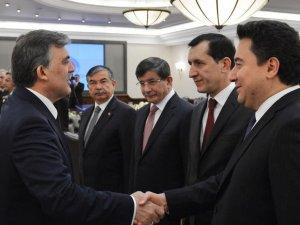 AK Parti'nin kuruluş yıldönümü... Gül, Davutoğlu ve Babacan'a davet gitmedi!