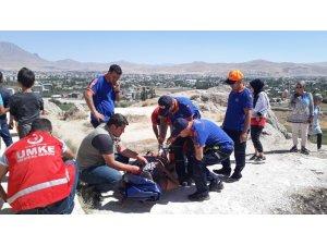 Van Kalesi'nde mahsur kalan vatandaş kurtarıldı